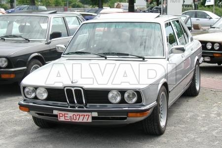 BMW 5 (E12)