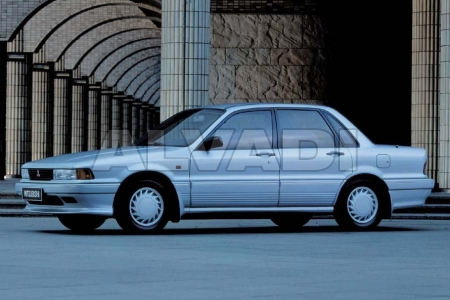 Mitsubishi GALANT (E30)